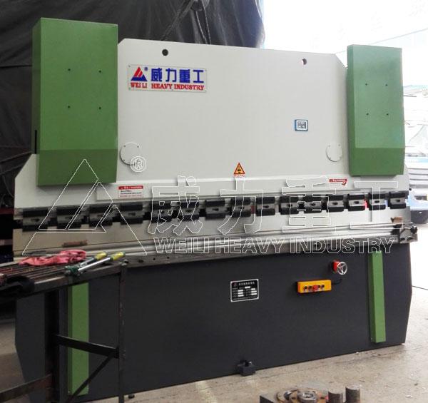 100吨液压折弯机
